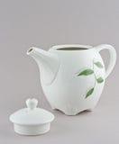 Άσπρα teapot και φλυτζάνια Στοκ Φωτογραφία