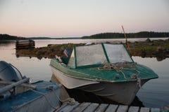 Άσπρες βάρκες θάλασσας Στοκ φωτογραφίες με δικαίωμα ελεύθερης χρήσης