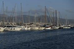 Άσπρες βάρκες στο κλειδί Στοκ Φωτογραφίες