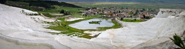 Άσπρες και ασβεστούχες λίμνες σε Pamukkale Στοκ εικόνα με δικαίωμα ελεύθερης χρήσης