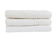 Άσπρες πετσέτες λουτρών στο σωρό Στοκ Εικόνα