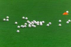 Άσπρες σφαίρες τύρφης Astro χόκεϋ Στοκ Φωτογραφίες