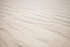Άσπρη άμμος με τα κύματα παλαιό παράθυρο σύστασης λεπτομέρειας ανασκόπησης ξύλινο στοκ φωτογραφία με δικαίωμα ελεύθερης χρήσης