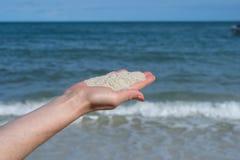 Άσπρη άμμος στο φοίνικα Στοκ Φωτογραφίες