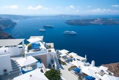 Άσπρη αρχιτεκτονική στο νησί Santorini, Ελλάδα Στοκ εικόνες με δικαίωμα ελεύθερης χρήσης