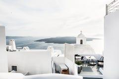 Άσπρη αρχιτεκτονική στο νησί Santorini Στοκ Φωτογραφία