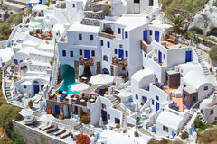 Άσπρη αρχιτεκτονική του νησιού Santorini Στοκ Φωτογραφία