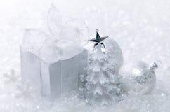 Άσπρη διακόσμηση Χριστουγέννων στοκ φωτογραφία