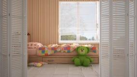Άσπρη διπλώνοντας πόρτα που ανοίγει στη σύγχρονη σύγχρονη χρωματισμένη κρεβατοκάμαρα παιδιών με το ενιαίο κρεβάτι, εσωτερικό σχέδ στοκ εικόνες