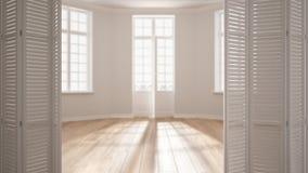 Άσπρη διπλώνοντας πόρτα που ανοίγει στο σύγχρονο Σκανδιναβικό κενό διάστημα με τα πανοραμικά παράθυρα, άσπρο εσωτερικό σχέδιο, σχ στοκ φωτογραφίες με δικαίωμα ελεύθερης χρήσης