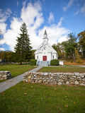 Άσπρη εκκλησία της Νέας Αγγλίας στοκ εικόνα