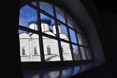 Άσπρη εκκλησία πετρών της Ρωσίας Στοκ φωτογραφία με δικαίωμα ελεύθερης χρήσης