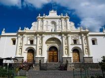 Άσπρη εκκλησία στην Αντίγουα στοκ εικόνες