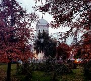 Άσπρη εκκλησία του Βουκουρεστι'ου Στοκ εικόνα με δικαίωμα ελεύθερης χρήσης