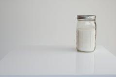 Άσπρη ζάχαρη βάζων του Mason Στοκ φωτογραφία με δικαίωμα ελεύθερης χρήσης