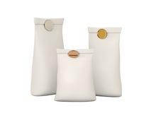 Άσπρη διπλωμένη συσκευασία τσαντών εγγράφου για το προϊόν σας με το ψαλίδισμα PA Στοκ Φωτογραφίες