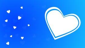 Άσπρη καρδιά στο μπλε υπόβαθρο θέματος Στοκ Εικόνες