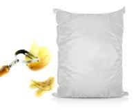 Άσπρη κενή τσάντα τροφίμων φύλλων αλουμινίου Στοκ Φωτογραφίες