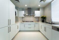 Άσπρη κουζίνα Στοκ Εικόνες