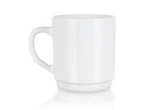 Άσπρη κούπα πορσελάνης που απομονώνεται Στοκ Εικόνες