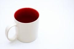 Άσπρη κούπα που απομονώνεται σε ένα άσπρο υπόβαθρο στοκ εικόνα με δικαίωμα ελεύθερης χρήσης