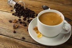 Άσπρη κούπα του καφέ πρωινού Στοκ εικόνες με δικαίωμα ελεύθερης χρήσης