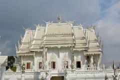 Άσπρη κύρια αίθουσα ναών στοκ εικόνες