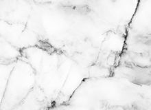 Άσπρη μαρμάρινη υποβάθρου περίληψη σχεδίων πετρών σύστασης φυσική με τη υψηλή ανάλυση Στοκ εικόνες με δικαίωμα ελεύθερης χρήσης