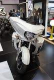 Άσπρη μπροστινή άποψη μοτοσικλετών νίκης Στοκ Εικόνες