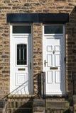 Άσπρη μπροστινή πόρτα Στοκ Εικόνες