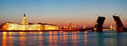 Άσπρη νύχτα στο ST Πετρούπολη Στοκ Φωτογραφία