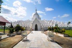 Άσπρη παγόδα του ναού paya Hsinbyume, Mingun, Mandalay - Myanma Στοκ Φωτογραφία