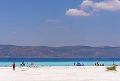 Άσπρη παραλία κοντά στη λίμνη Salda Golu Salda σε Burdur της Τουρκίας Αυτό στοκ φωτογραφίες
