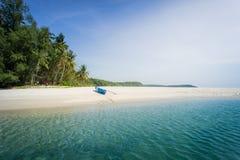 Άσπρη παραλία άμμου koh kood, Ταϊλάνδη Στοκ Εικόνα