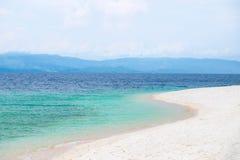 Άσπρη παραλία άμμων σε Moalboal, Φιλιππίνες Στοκ Εικόνα