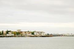 Άσπρη παλαιά πόλη ποταμών Στοκ Εικόνες