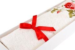 Άσπρη πετσέτα υφασμάτων Στοκ φωτογραφία με δικαίωμα ελεύθερης χρήσης