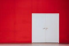 Άσπρη πόρτα Στοκ Εικόνες