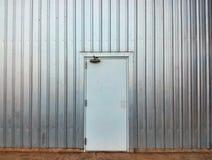 Άσπρη πόρτα στοκ εικόνες με δικαίωμα ελεύθερης χρήσης
