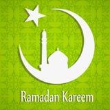 Άσπρη σκιαγραφία του μουσουλμανικού τεμένους ή Masjid στο φεγγάρι με τα αστέρια στο αφηρημένο πράσινο floral υπόβαθρο, έννοια για  Στοκ Φωτογραφίες