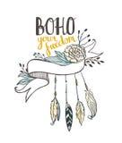 Άσπρη συρμένη χέρι κορδέλλα με τα peonys και το φτερό Στοκ Εικόνα