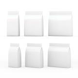 Άσπρη συσκευασία τσαντών για τα γενικά προϊόντα με το ψαλίδισμα της πορείας Στοκ Εικόνες