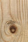 Άσπρη σύσταση τραχιάς επιφάνειας σανίδων πεύκων με τον κόμβο - Στοκ φωτογραφίες με δικαίωμα ελεύθερης χρήσης