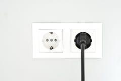 Άσπρη υποδοχή Υποδοχή δύναμης Άσπρη έξοδος στον τοίχο Στοκ Φωτογραφία