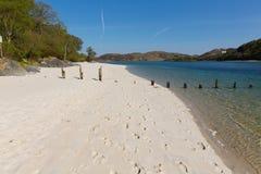 Άσπρη όμορφη σκωτσέζικη αμμώδης παραλία Morar Σκωτία παραλιών άμμων στην ακτή από Arisaig στο νότο Morar Mallaig Στοκ Εικόνες