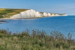 Άσπροι απότομοι βράχοι επτά ανατολικό Σάσσεξ αδελφών, αγγλική ακτή στοκ εικόνες με δικαίωμα ελεύθερης χρήσης