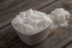 Άσπροι γλυκοί κύβοι ζάχαρης Στοκ Φωτογραφία