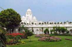 Άσπροι πύργοι κοντά στο χρυσό ναό Amritsar, Ινδία Στοκ φωτογραφία με δικαίωμα ελεύθερης χρήσης