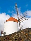 άσπρος ανεμόμυλος Στοκ Φωτογραφία