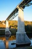 Άσπρος αυξήθηκε γέφυρα για τους πεζούς και τους ποδηλάτες στο Αλύτους, Lithua στοκ φωτογραφίες
